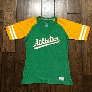 Nike Oakland A's Athletics Tee Medium Cooperstown